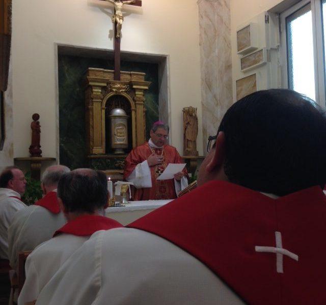 Padre Pedro Adilson Busin, vescovo scalabriniano titolare di Guardialfiera e ausiliare nell'arcidiocesi di Porto Alegre, durante la celebrazione della Messa con i membri della direzione generale