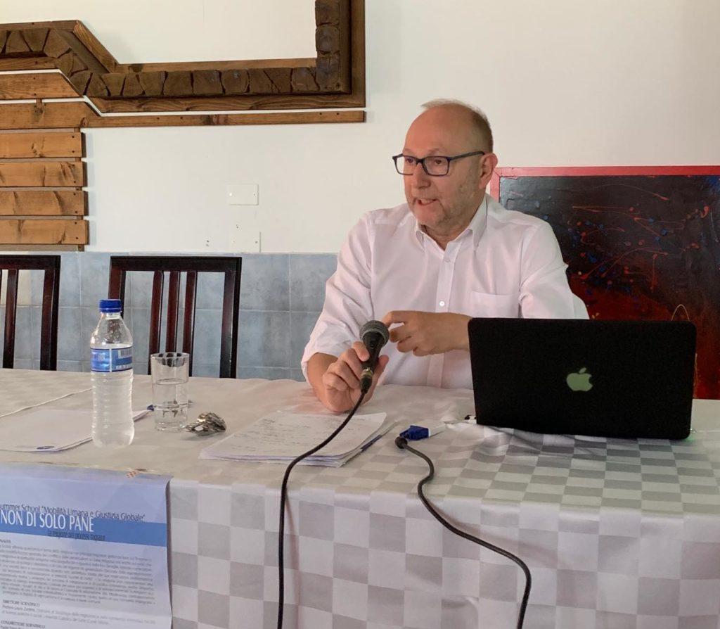 Si è conclusa la Summer School sul rapporto tra migrazioni e religione Dal 22 al 25 luglio 2019 si è svolta a Shënjin, in Albania, la decima edizione dell'iniziativa di formazione sul fenomeno migratorio che vede tra i suoi promotori anche lo Scalabrini International Migration Institute (SIMI)
