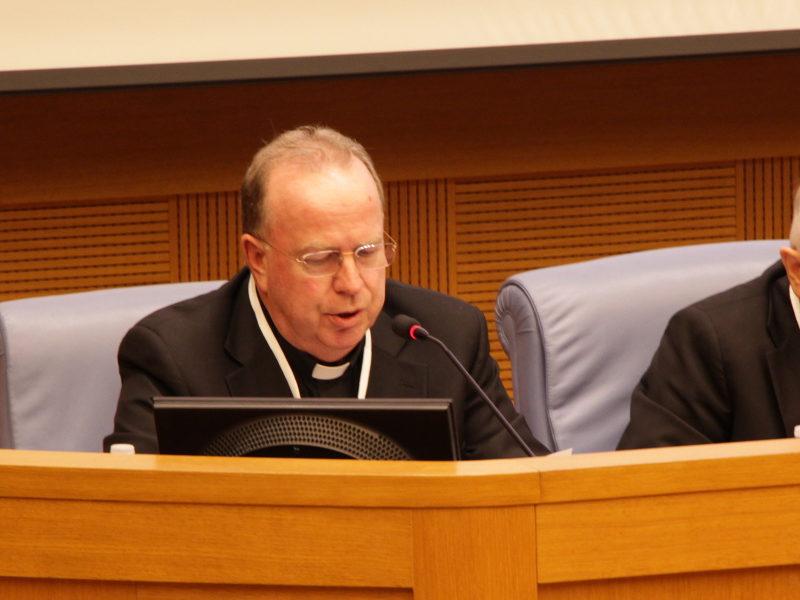 Padre Gazzola, superiore generale dei missionari scalabriniani, durante il Forum on Migration and Peace